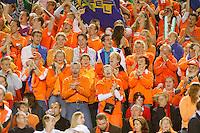 7-4-07, England, Birmingham, Tennis, Daviscup England-Netherlands, Dutch supporters