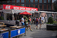 "H&M promotes online shopping and previews its ""Paris Show Collection"" line of women's clothing with a pop-up store in the Meatpacking District in New York on Thursday, August 22, 2013.   (© Richard B. Levine)"