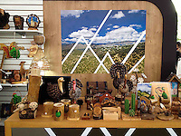 Quer&eacute;taro, Qro, 5 de julio de 2014.- Aspectos de la Expo Sierra Gorda 2014. Que se lleva acabo en la plaza de armas de la capital queretana. En esta muestra s exhibe artesan&iacute;a, atractivos tur&iacute;sticos y degustaci&oacute;n de alimentos t&iacute;picos de la zona serrana del estado.<br /> <br /> Foto: Demian Ch&aacute;vez / Obture Press Agency