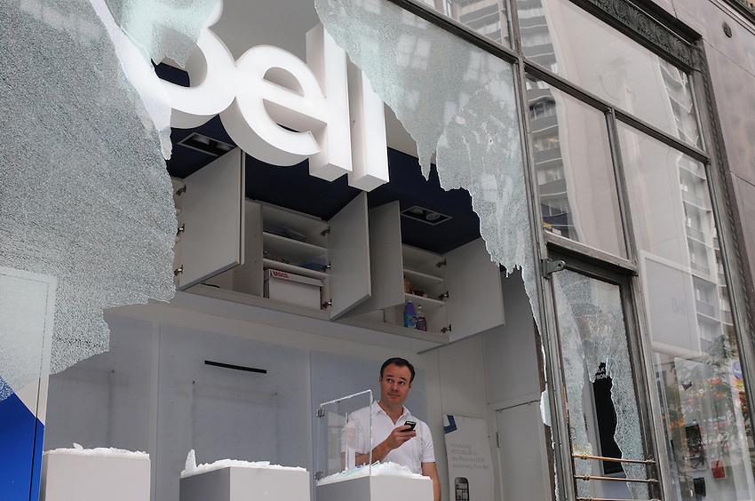 Toronto g20 Bell Store vandalism property damage  protest Yonge Street