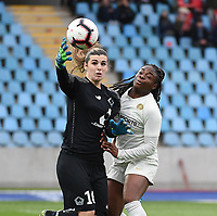 20190113 - LILLE , FRANCE : LOSC's Elisa Launay (L) and PSG's Sandy Baltimore (R)  pictured during women soccer game between the women teams of Lille OSC and Paris Saint Germain  during the 16 th matchday for the Championship D1 Feminines at stade Lille Metropole , Sunday 13th of January 2019,  PHOTO Dirk Vuylsteke | Sportpix.Be