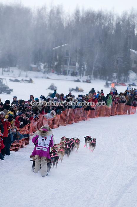 2010 Iditarod Re-start in Willow Alaska musher # 31 DEEDEE JONROWE.