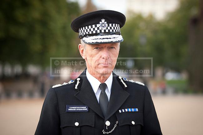 19/10/2011. LONDON, UK. Stock portrait of Metropolitan Police Commissioner Bernard Hogan-Howe. Photo credit: Matt Cetti-Roberts