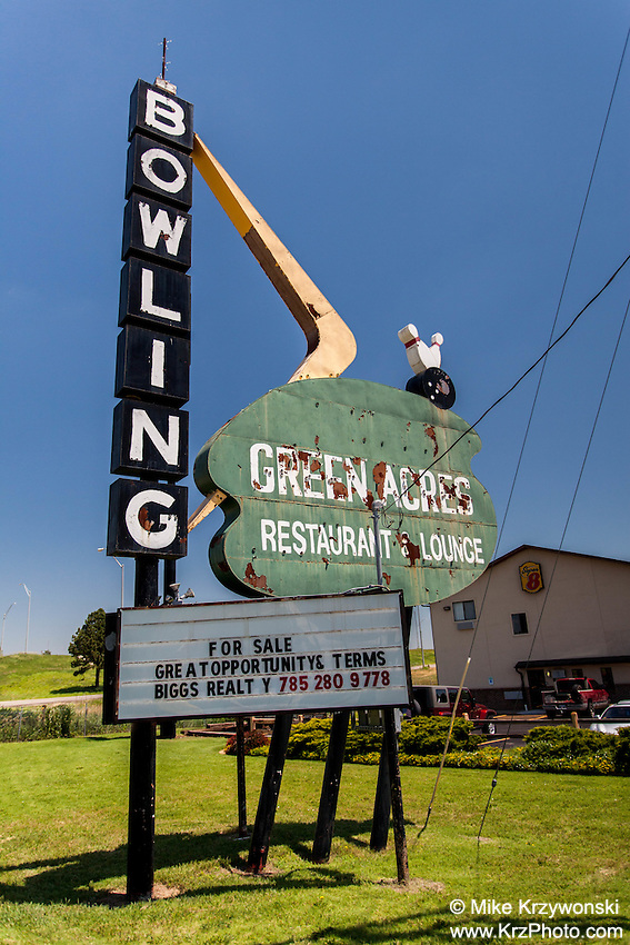 Old bowling alley sign in Abilene, KS
