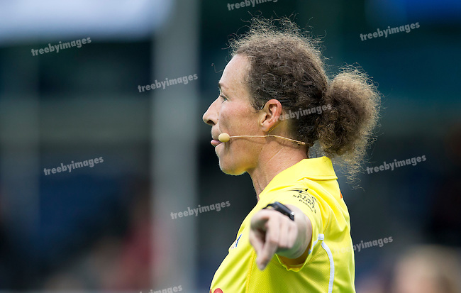 23/06/2015<br /> HWL Semi Final Antwerp Belgium 2015<br /> Japan v Netherlands Women<br /> Umpire Claire Adenot<br /> Photo: Grant Treeby