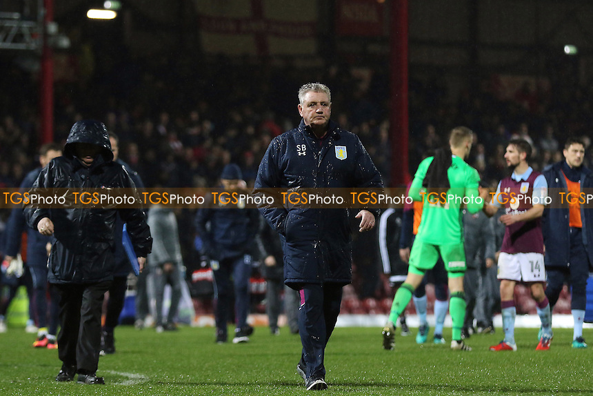 Aston Villa Manager, Steve Bruce, walks towards the dressing room at the end of the match during Brentford vs Aston Villa, Sky Bet EFL Championship Football at Griffin Park on 31st January 2017