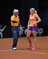 April 15, 2015, Netherlands, Den Bosch, Maaspoort, Fedcup Netherlands-Australia, Dutch Coach Martin Bohm with Michaella Krajicek (NED)<br /> Photo: Tennisimages/Henk Koster
