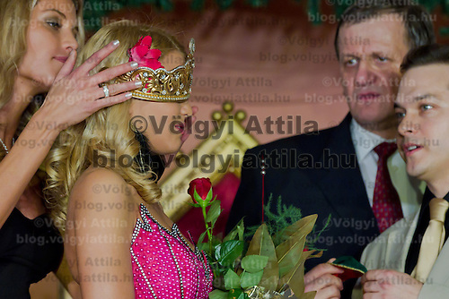 Marianna Bertok is being crowned as the winner of the Miss Hungary beauty contest held in Budapest, Hungary on December 29, 2011. ATTILA VOLGYI