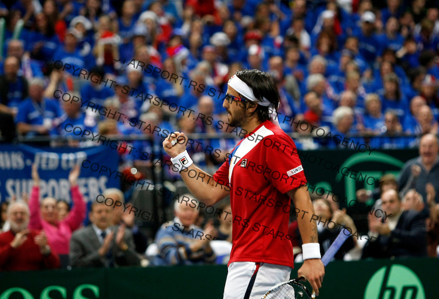 Serbian Davis Cup team player Janko Tipsarevic react during first match of the Davis Cup finals Serbia vs France against Gael Monfils in Belgrade Arena in Belgrade, Serbia, Friday, 3. December 2010.(foto: Srdjan Stevanovic/Starsportphoto ©)