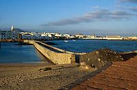Spanien, Kanarische Inseln, Lanzarote, Arrecife, Blick vom Castillo de San Gabriel