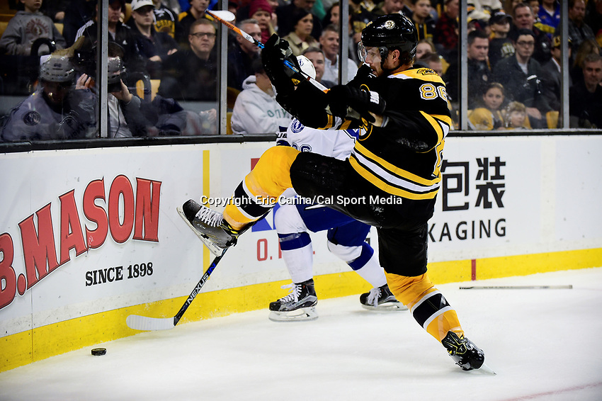 Sunday, November 27, 2016: Boston Bruins defenseman Kevan Miller (86) battles for the puck during the National Hockey League game between the Tampa Bay Lightning and the Boston Bruins held at TD Garden, in Boston, Mass. Boston defeats Tampa Bay 4-1. Eric Canha/CSM