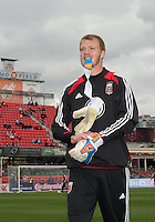 06 October 2012: D.C. United goalkeeper Joe Willis #31 coming off the pitch after warm-up in an MLS game between D.C. United and Toronto FC at BMO Field in Toronto, Ontario..D.C. United won 1-0..