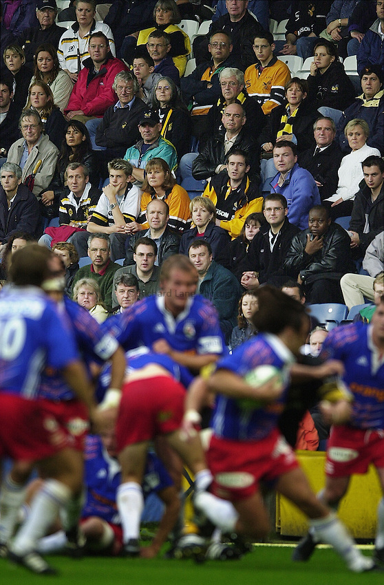Heineken Cup 2001/2002 - 30/09/01.Wasps v Stade Francais..Wasps's supporters, look on as their side is defeated by, Stade Francais.. ...........