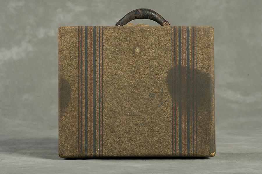 Willard Suitcases / Charlotte T / ©2014 Jon Crispin