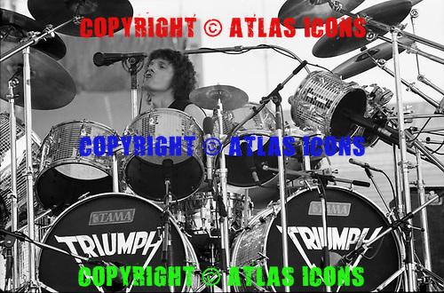 TRIUMPH, LIVE, 1982, NEIL ZLOZOWER