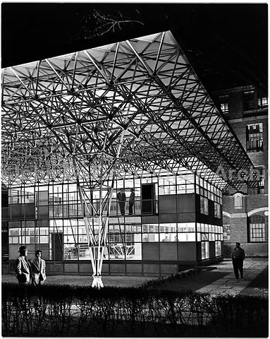 Unistrut Building, University of Michigan, Detroit, 1955. Photo by John G. Zimmerman.