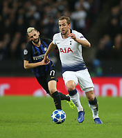 Tottenham Hotspur's Harry Kane gets away from Internazionale's Marcelo Brozovic<br /> <br /> Photographer Rob Newell/CameraSport<br /> <br /> UEFA Champions League Group B - Tottenham Hotspur v Internazionale - Wednesday 28th November 2018 - Wembley Stadium - London<br />  <br /> World Copyright © 2018 CameraSport. All rights reserved. 43 Linden Ave. Countesthorpe. Leicester. England. LE8 5PG - Tel: +44 (0) 116 277 4147 - admin@camerasport.com - www.camerasport.com