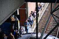 SAO PAULO, SP, 16 DE MAIO DE 2012 - ACIDENTE METRO - Usuarios do Metro caminham aonde ate a estacao Penha apos o acidente Dois trens do metro se chocaram nesta manha de quarta feira entre as estacoes Penha e Carrao, houveram muitas vitimas,porem nenhuma fatal.FOTO: DEBBY OLIVEIRA / BRAZIL PHOTO PRESS