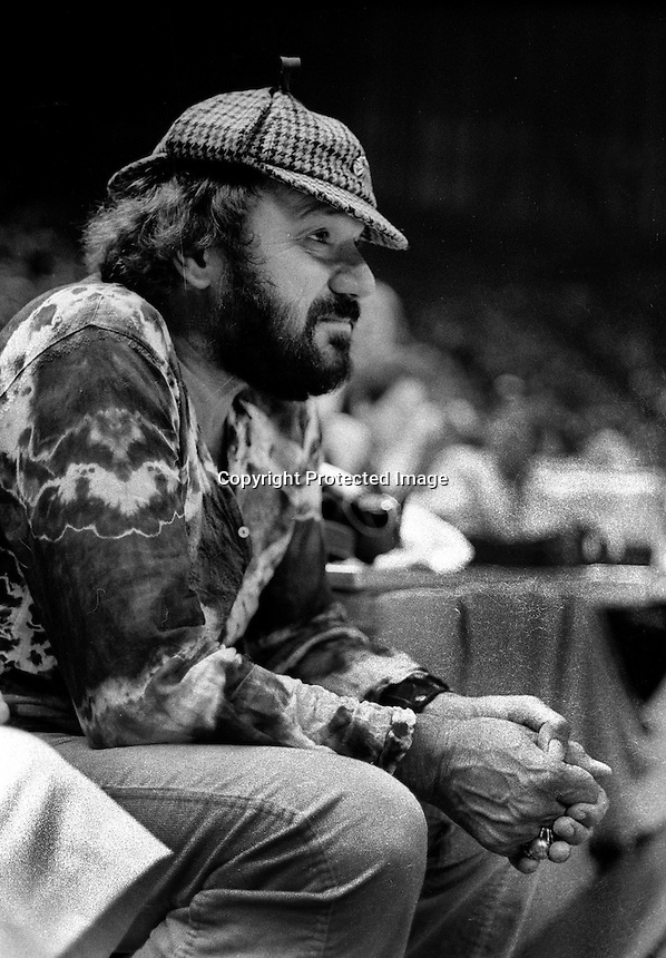 Golden State Warrior owner Franklin Mieuli on the sideline..(1977 photo/Ron Riesterer)