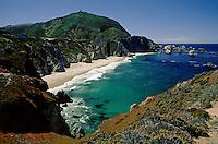 The beautiful turquoise waters of the BIG SUR COAST & BIXBY BRIDGE - CALIFORNIA