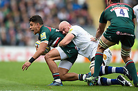 Matt Toomua of Leicester Tigers is tackled to ground by Matt Garvey of Bath Rugby. Aviva Premiership match, between Leicester Tigers and Bath Rugby on September 3, 2017 at Welford Road in Leicester, England. Photo by: Patrick Khachfe / Onside Images