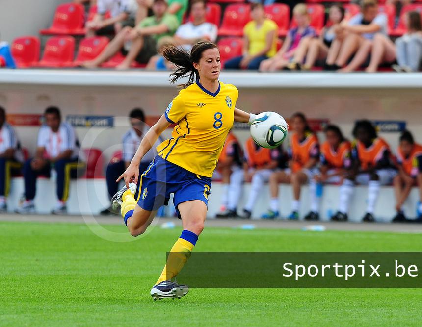 Fifa Women's World Cup Germany 2011 : Colombia - Sweden at Bayarena Leverkusen : Lotta Schelin aan de bal.foto DAVID CATRY / Vrouwenteam.be