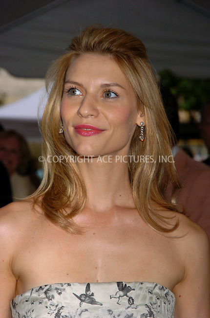 "WWW.ACEPIXS.COM ** ** ** ....June 11 2007, New York City....Clare Danes arriving at the Focus Features premiere of ""Evening"" hosted by Donna Karan and The Cinema Society at the Chelsea Clearview West Cinema.....Please byline: AJ SOKALNER -- ACEPIXS.COM.... *** ***  ..Ace Pictures, Inc:  ..Tel: (646) 769 0430..e-mail: info@acepixs.com..web: http://www.acepixs.com"