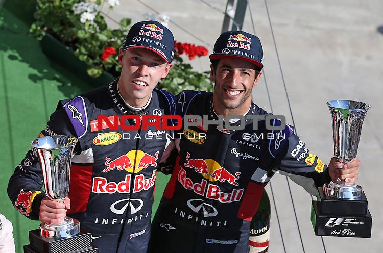 25.-27.07.2015, Hungaroring, Budapest, HUN, F1, Grosser Preis von Ungarn, Hungaroring, im Bild  Daniil Kvyat [RUS], Red Bull Racing - Daniel Ricciardo (AUS) Red Bull Racing<br />  Foto &copy; nph / Mathis