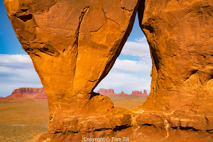 Teardrop Arch, Monument Valley Tribal Park, Utah