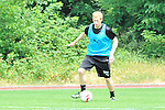 Sandhausens Philipp Klingmann (Nr.) am Ball beim Trainingsauftakt des SV Sandhausen.<br /> <br /> Foto &copy; P-I-X.org *** Foto ist honorarpflichtig! *** Auf Anfrage in hoeherer Qualitaet/Aufloesung. Belegexemplar erbeten. Veroeffentlichung ausschliesslich fuer journalistisch-publizistische Zwecke. For editorial use only.