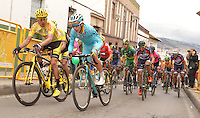 BOYACA - COLOMBIA: 11-09-2016. Aspecto del lote de ciclistas durante la última etapa de la 38 versión de la vuelta Ciclista a Boyaca 2016 que se corre entre  Sora y Tunja. La prueba se corre entre el  7 y el 11 septiembre de 2016./ Aspect of the cyclists' peloton during the last stage of the Vuelta a Boyaca 2016 that took place between village of Sora and Tunja city. The race is held between 7 and 11 of September of 2016 . Photo:  VizzorImage/ José Miguel Palencia / Liga Ciclismo de Boyaca