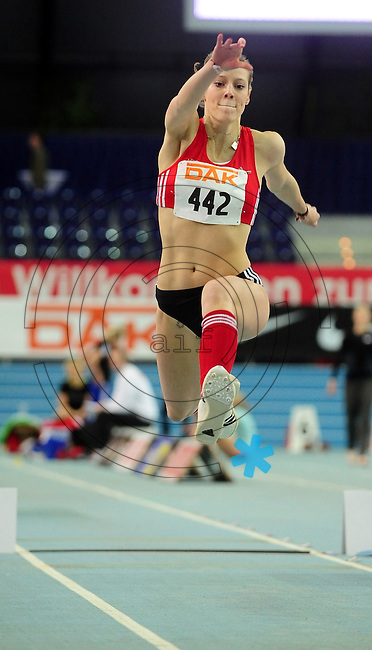 Leichtathletik - DHM 2009 Deutsche Hallenmeisterschaften - ARENA Leipzig - Track and Field - im Bild: Dreisprung Frauen - Ekaterina Menne (Paderborn) - sie wird 4..Foto: Norman Rembarz..Norman Rembarz, Holbeinstr. 14, 04229 Leipzig, Hypo-Vereinsbank, BLZ: 86020086, Kto: 357889472, Ust. ID.: DE 256991963 St. Nr.: 231/261/06432 !!!!!!  Honorar zuzüglich 7 % Mwst !!!!!!!!