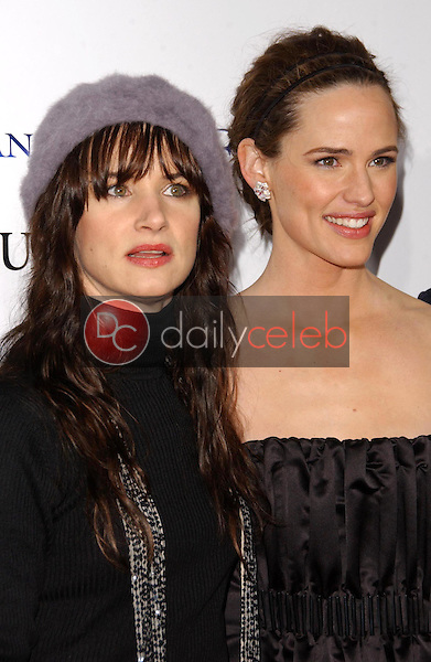 Juliette Lewis and Jennifer Garner<br />