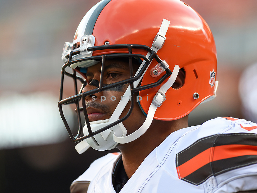 CLEVELAND, OH - AUGUST 18, 2016: Wide receiver Terrelle Pryor #11 of the Cleveland Browns walks onto the field prior to a preseason game on August 18, 2016 against the Atlanta Falcons at FirstEnergy Stadium in Cleveland, Ohio. Atlanta won 24-13. (Photo by: 2016 Nick Cammett/Diamond Images) *** Local Caption *** Terrelle Pryor