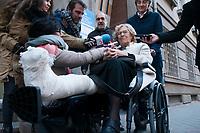 2019 01 02 Manuela Carmena leaves the Princesa hospital