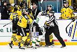 Stockholm 2014-11-16 Ishockey Hockeyallsvenskan AIK - IF Bj&ouml;rkl&ouml;ven :  <br /> Bj&ouml;rkl&ouml;vens Lucas Sandstr&ouml;m i br&aring;k med AIK:s Theodor Lennstr&ouml;mi samband med att AIK:s David Lilliestr&ouml;m Karlsson gjort 2-1 och d&auml;r linjedomarna Emil Wernstr&ouml;m och Jimmy Andersson f&aring;r g&aring; emellan <br /> (Foto: Kenta J&ouml;nsson) Nyckelord:  AIK Gnaget Hockeyallsvenskan Allsvenskan Hovet Johanneshov Isstadion Bj&ouml;rkl&ouml;ven L&ouml;ven IFB slagsm&aring;l br&aring;k fight fajt gruff