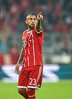 Arturo VIDAL, FCB 23  Halbfigur , Aktion, Einzelbild, Portrait, Portraet, Einzelaktion <br /> FC BAYERN MUENCHEN - CELTIC GLASGOW  3-0<br /> Group SDaye , Football UEFA Champions League, Muenchen, 18.10.2017<br /> CL Saison 2017/2018<br /> <br />  *** Local Caption *** © pixathlon +++ tel. +49 - (040) - 22 63 02 60 - mail: info@pixathlon.de