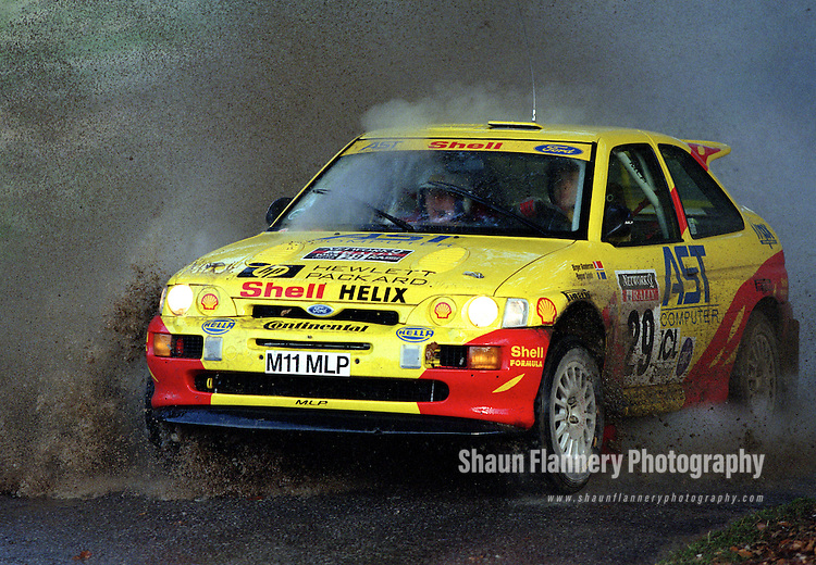 Pix: Shaun Flannery/shaunflanneryphotography.com...COPYRIGHT PICTURE>>SHAUN FLANNERY>01302-570814>>07778315553>>..1995 Network Q RAC Rally..19th November - 22nd November 1995..Birger Gundersen and Ragnar Spjuth..Ford Escort RS Cosworth.Birger Gundersen
