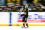 Stockholm 2014-12-01 Ishockey Hockeyallsvenskan AIK - S&ouml;dert&auml;lje SK :  <br /> AIK:s Joakim Hagelin firar sitt 3-1 m&aring;l med lagkamrater under matchen mellan AIK och S&ouml;dert&auml;lje SK <br /> (Foto: Kenta J&ouml;nsson) Nyckelord:  AIK Gnaget Hockeyallsvenskan Allsvenskan Hovet Johanneshov Isstadion S&ouml;dert&auml;lje SSK jubel gl&auml;dje lycka glad happy panorering panorera speed hastighet creative genre