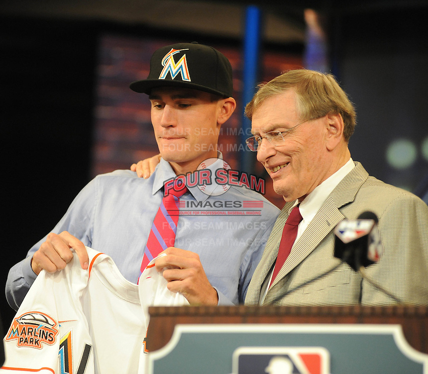Pitcher Andrew Heaney (Oklahoma State) the number nine overall pick to the Miami Marlins with MLB Commissioner Bud Selig during the MLB Draft on Monday June 04,2012 at Studio 42 in Secaucus, NJ.   (Tomasso DeRosa / Four Seam Images)