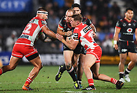 Simon Mannering clashes heads with Kurt Mann.<br /> NRL Premiership rugby league. Vodafone Warriors v St George Illawarra. Mt Smart Stadium, Auckland, New Zealand. Friday 20 April 2018. &copy; Copyright photo: Andrew Cornaga / www.Photosport.nz