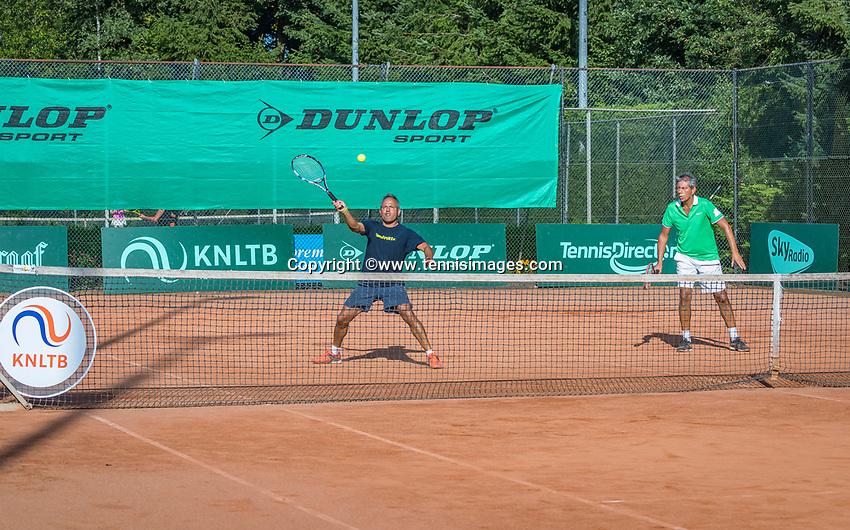 Etten-Leur, The Netherlands, August 27, 2017,  TC Etten, NVK, Men's doubles :Mike (L) and Rob Simon, winners 50+,<br /> Photo: Tennisimages/Henk Koster