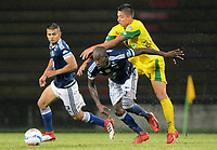 ITAGÜÍ - COLOMBIA, 14-04-2018: Juan P Ramirez (Der) jugador de Leones FC disputa el balón con Janeiler Rivas Palacios (Izq) jugador de Millonarios durante partido por la fecha 15 de la Liga Águila I 2018 jugado en el estadio Metropolitano de Itagüí. / Juan P Ramirez (R) player of Leones FC vies for the ball with Janeiler Rivas Palacios (L)  player of Millonarios during match for the date 15 of the Aguila League I 2018 played at Metropolitano stadium in Itaguí city.  Photo: VizzorImage / León Monsalve / Cont