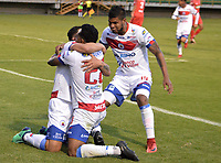 TUNJA - COLOMBIA, 05-09-2018: Luis Carlos Arias (#7) jugador de Deportivo Pasto celebra con sus compañeros después de anotar un gol a Patriotas Boyacá durante partido por la fecha 8 de la Liga Águila II 2018 realizado en el estadio La Independencia de Tunja. / Luis Carlos Arias (#7) player of Deportivo Pasto celebrates with his teammates after scoring a goal to Patriotas Boyaca during match for the date 8 of Aguila League II 2018 played at La Independencia stadium in Tunja. Photo: VizzorImage / Jose Palencia / Cont