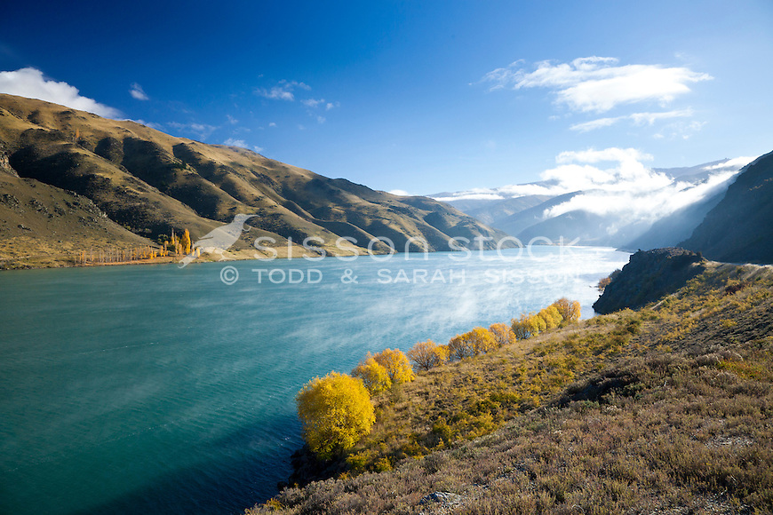 Morning mist in the Cromwell Gorge near the Clyde Dam, Central Otago, South Island, New Zealand