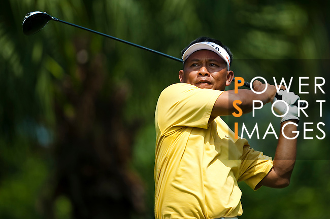 SHENZHEN, CHINA - OCTOBER 29:  Hardjito of Indonesia plays his tee shot on the 7th hole during the day one of Asian Amateur Championship at the Mission Hills Golf Club on October 29, 2009 in Shenzhen, Guangdong, China.  (Photo by Victor Fraile/The Power of Sport Images) *** Local Caption *** Hardjito