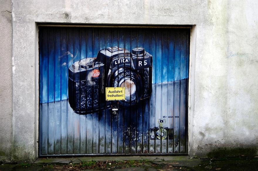Duitsland, 21 dec 2006. .graffity schildering op garagedeur..foto (c) Michiel Wijnbergh