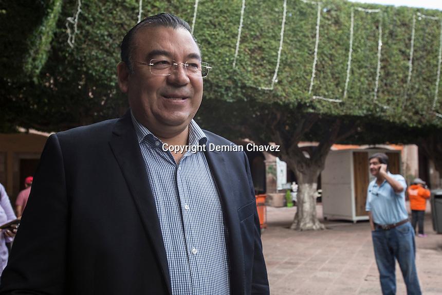 Quer&eacute;taro, Qro. 7 de Septiembre de 2016.- Adolfo Camacho Esquivel, Presidente del Comit&eacute; Ejecutivo Estatal del PRD, en conferencia de prense se&ntilde;al&oacute; que la cultura y el medio ambiente son temas de relevancia para el Estado de Quer&eacute;taro. En el Partido de la Revoluci&oacute;n Democr&aacute;tica creen conveniente la creaci&oacute;n de una Secretaria de la Cultura, un tema que ha estado posicion&aacute;ndose en los &uacute;ltimos d&iacute;as. Sin embargo, hicieron un llamado para lograr una planificaci&oacute;n adecuada para destinar los recursos que dar&iacute;an viabilidad a esta secretaria.<br /> <br /> Foto: Demian Ch&aacute;vez