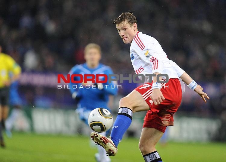 05.12.2009 - GER - FBL 09-10  15. Spieltag Hinrunde - Nordbank Arena Hamburg - HSV Hamburg - 1899 Hoffenheim - Marcell Jansen (HSV #7)<br /> <br /> Foto &copy; nph ( nordphoto )