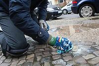 16-02-04 Stolpersteine nach Anschlag geputzt
